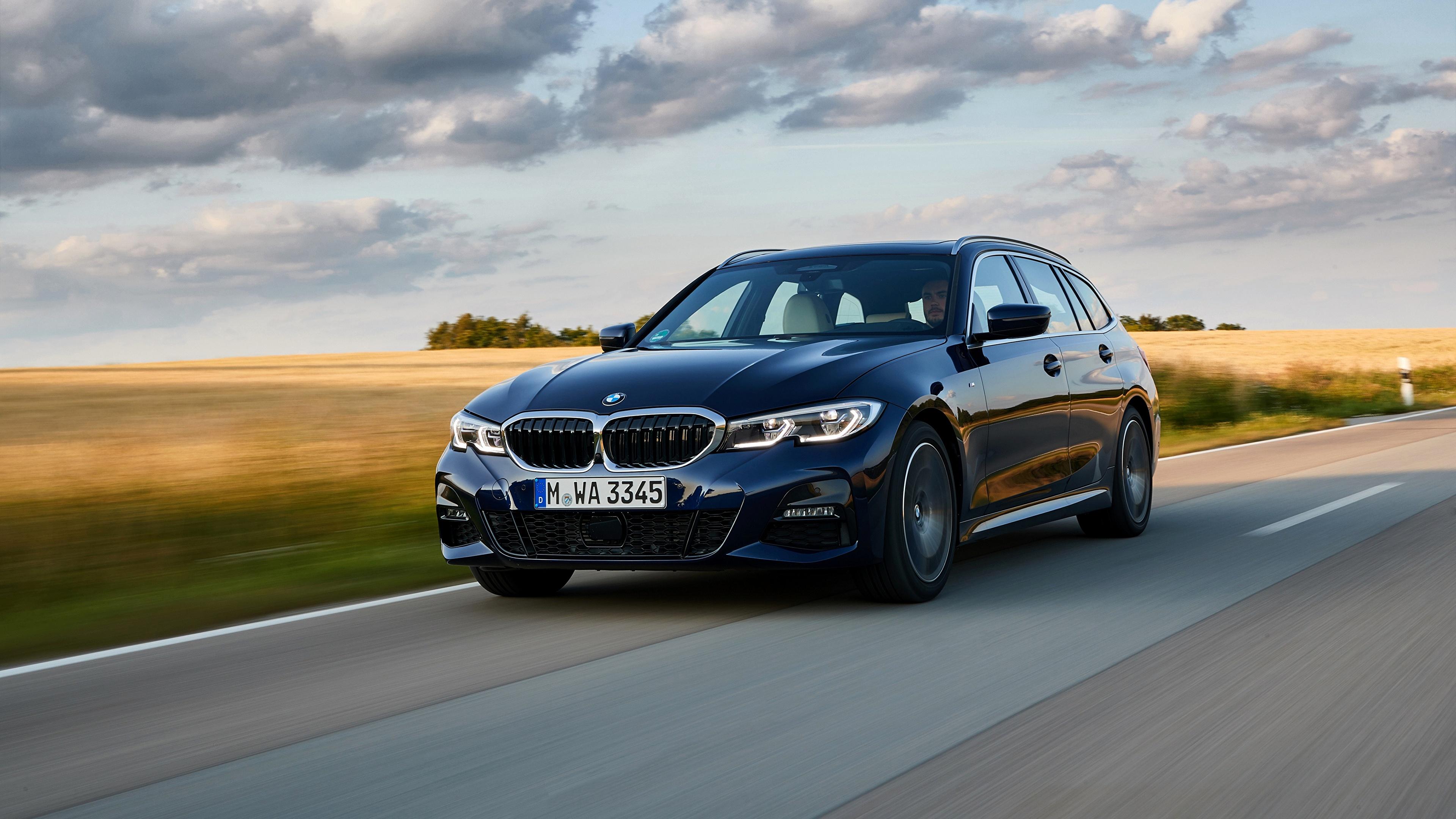 Картинка БМВ Универсал 3er 2020 G21 330d xDrive Touring синяя едущая Автомобили 3840x2160 BMW синих синие Синий едет едущий Движение скорость авто машина машины автомобиль