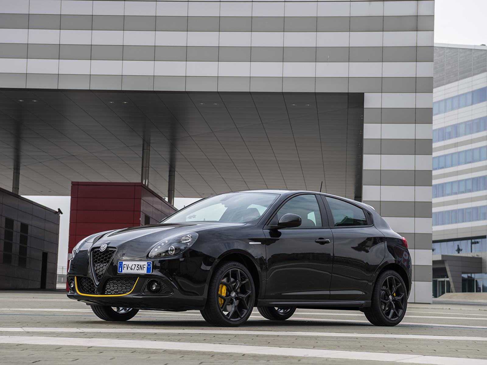 Картинка Alfa Romeo 2019 Giulietta Sport Veloce Giallo Corsa Pack черная машина Металлик 1600x1200 Альфа ромео черных черные Черный авто машины автомобиль Автомобили