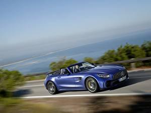Фото Мерседес бенц Едущий Синий Кабриолет GT R AMG Автомобили