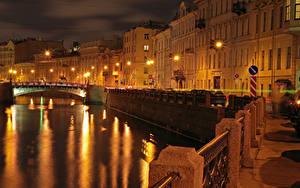 Фото Россия Санкт-Петербург Здания Мосты Водный канал Ночью Уличные фонари Города