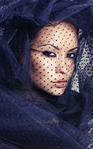 Фотографии Лицо Смотрит Шарфом Косметика на лице Девушки