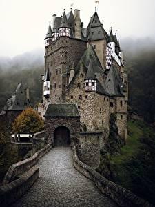 Картинки Замки Германия Eltz Castle город