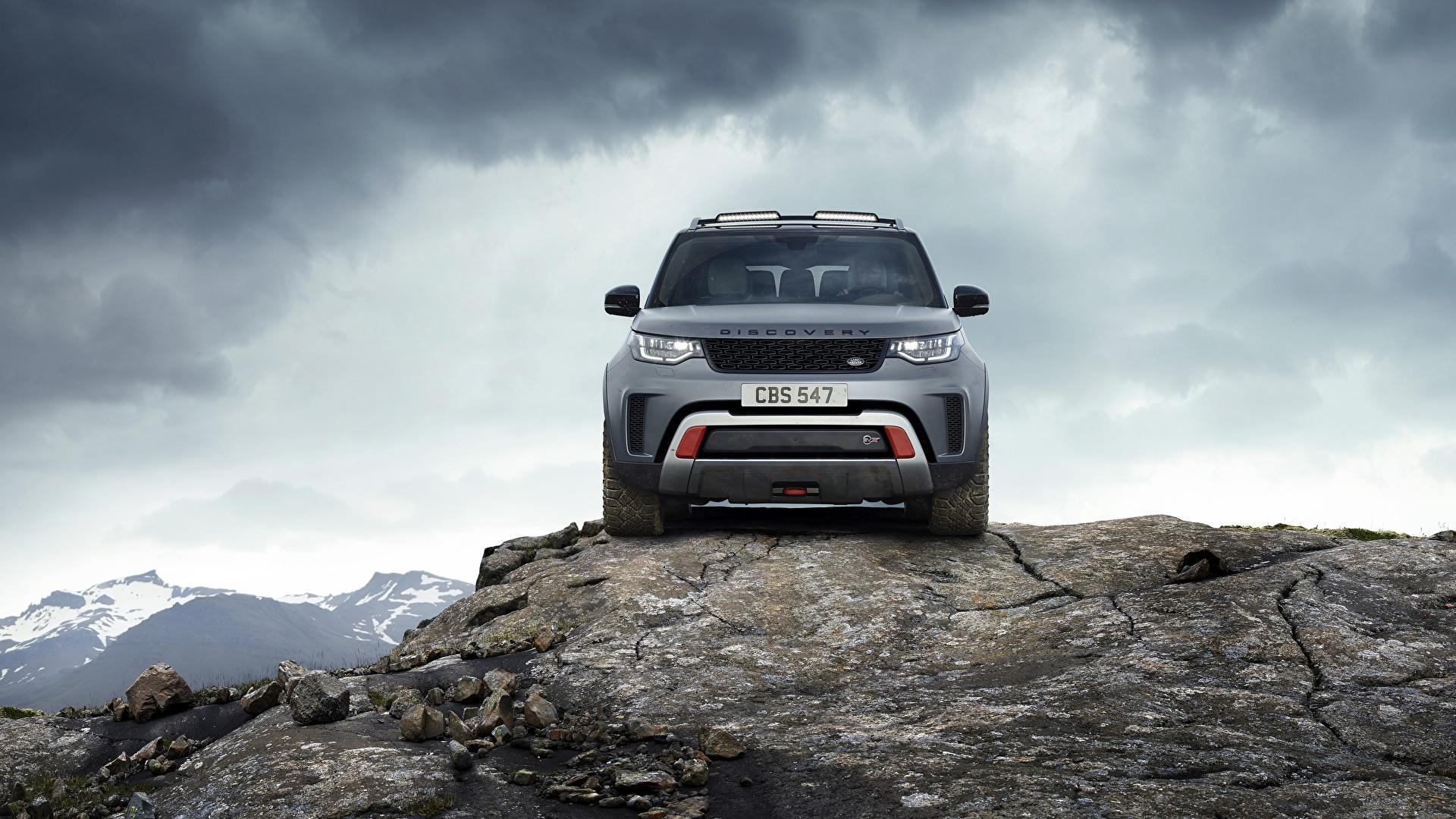 Фотографии Range Rover Внедорожник Discovery 4x4 2017 V8 SVX 525 скалы серая Камни Спереди Металлик Автомобили 1920x1080 Land Rover SUV Утес скале Скала Серый серые авто Камень машины машина автомобиль