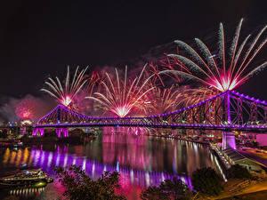 Фотографии Австралия Дома Реки Мосты Фейерверк Брисбен Ночные Города