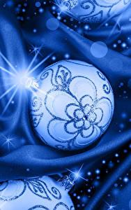 Картинки Новый год Шарики Лучи света Голубой