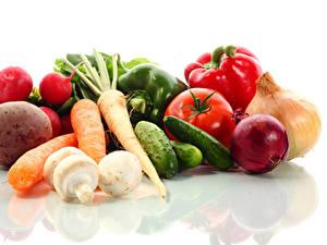 Картинка Овощи Помидоры Морковь Огурцы Лук репчатый Редис Белом фоне Еда