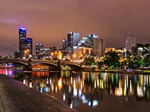 Фотографии Мельбурн Австралия Здания Реки Мосты Ночью Водный канал город