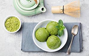 Фото Сладости Мороженое Шар Втроем Ложка Тарелке Продукты питания