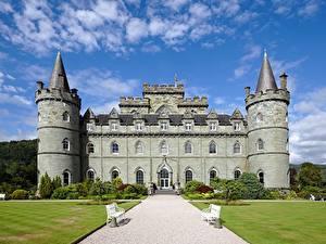 Фотографии Шотландия Замки Башня Скамья Газон Тропа Inveraray Castle Города