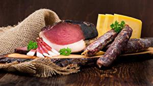 Фотография Мясные продукты Ветчина Колбаса Сыры