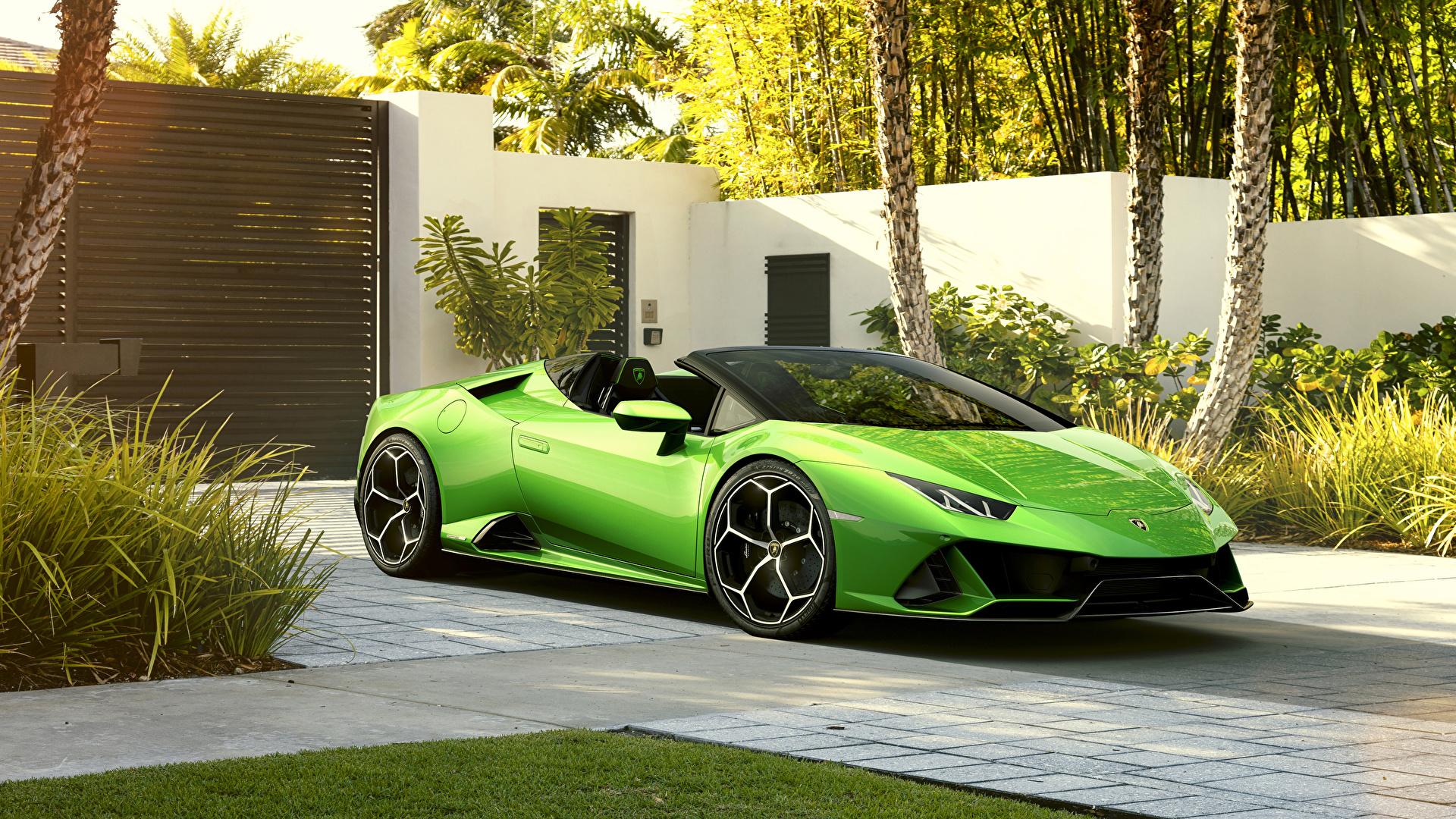 Фотографии Lamborghini 2019 Huracan EVO Spyder Родстер салатовая Металлик Автомобили 1920x1080 Ламборгини Салатовый салатовые желто зеленый Авто Машины