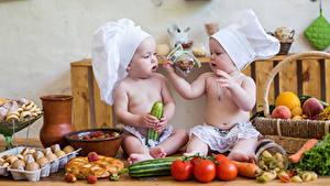 Фото Овощи Младенцы Шапки Двое Повар