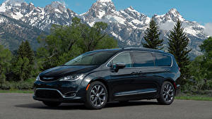 Картинки Chrysler Синих Металлик 2017–19 Pacifica Limited Автомобили