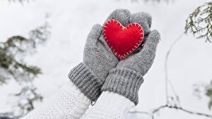 Обои Рукавицах Серце Руки