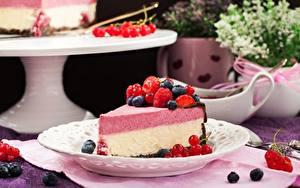 Картинка Малина Ягоды Черника Кусочки Cheesecake Еда