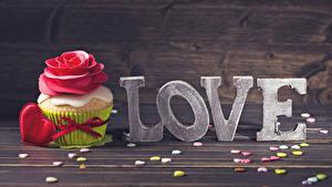 Фото День святого Валентина Любовь Пирожное Розы Сладости Капкейк кекс Доски Английский Сердечко Еда