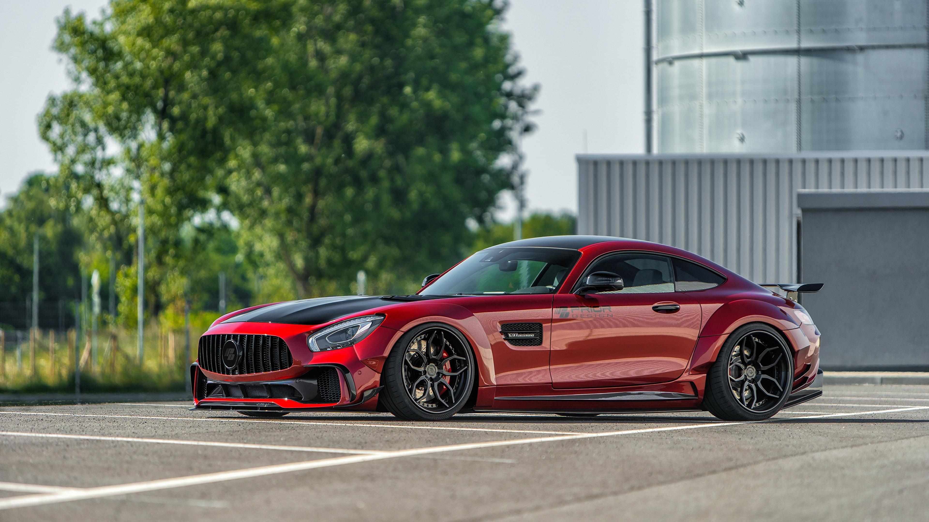 Фотографии Мерседес бенц AMG GT красных Сбоку машины Металлик 3840x2160 Mercedes-Benz красная красные Красный авто машина Автомобили автомобиль