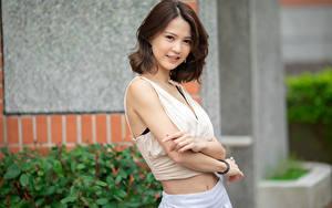 Фотография Азиатки Боке Позирует Рука Шатенки Смотрит девушка