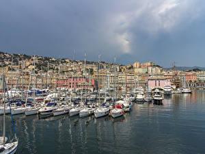 Обои Италия Дома Причалы Парусные Яхта Залив Genova город