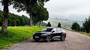 Фото Ауди Черная Металлик 2019 Q3 Sportback 45 TFSI quattro S line edition one Worldwide машина
