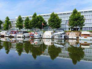 Картинка Германия Дома Причалы Катера Водный канал Wilhelmskanal in Heilbronn