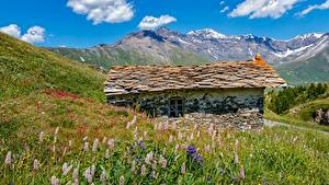 Картинки Гора Франция Здания Альпы Траве Каменные Mont-Cenis, Savoie