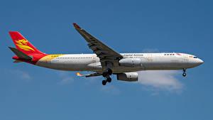 Картинка Эйрбас Самолеты Пассажирские Самолеты Сбоку Capital Airlines, A330-300