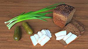 Обои Хлеб Огурцы Сало Продукты питания