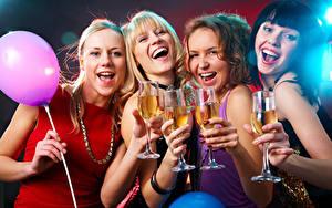Картинка Праздники Украшения Воздушный шарик Смех Счастье Блондинка Бокалы