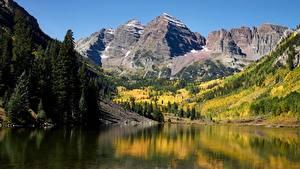 Фото Штаты Горы Озеро Осенние Пейзаж Утес Maroon lake, Rocky Mountains, Colorado Природа