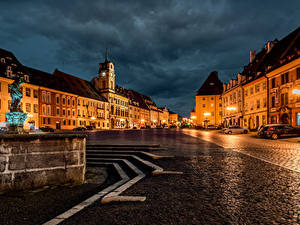 Фотографии Чехия Дома Фонтаны Улице В ночи Уличные фонари Cheb Karlovy Vary Region город