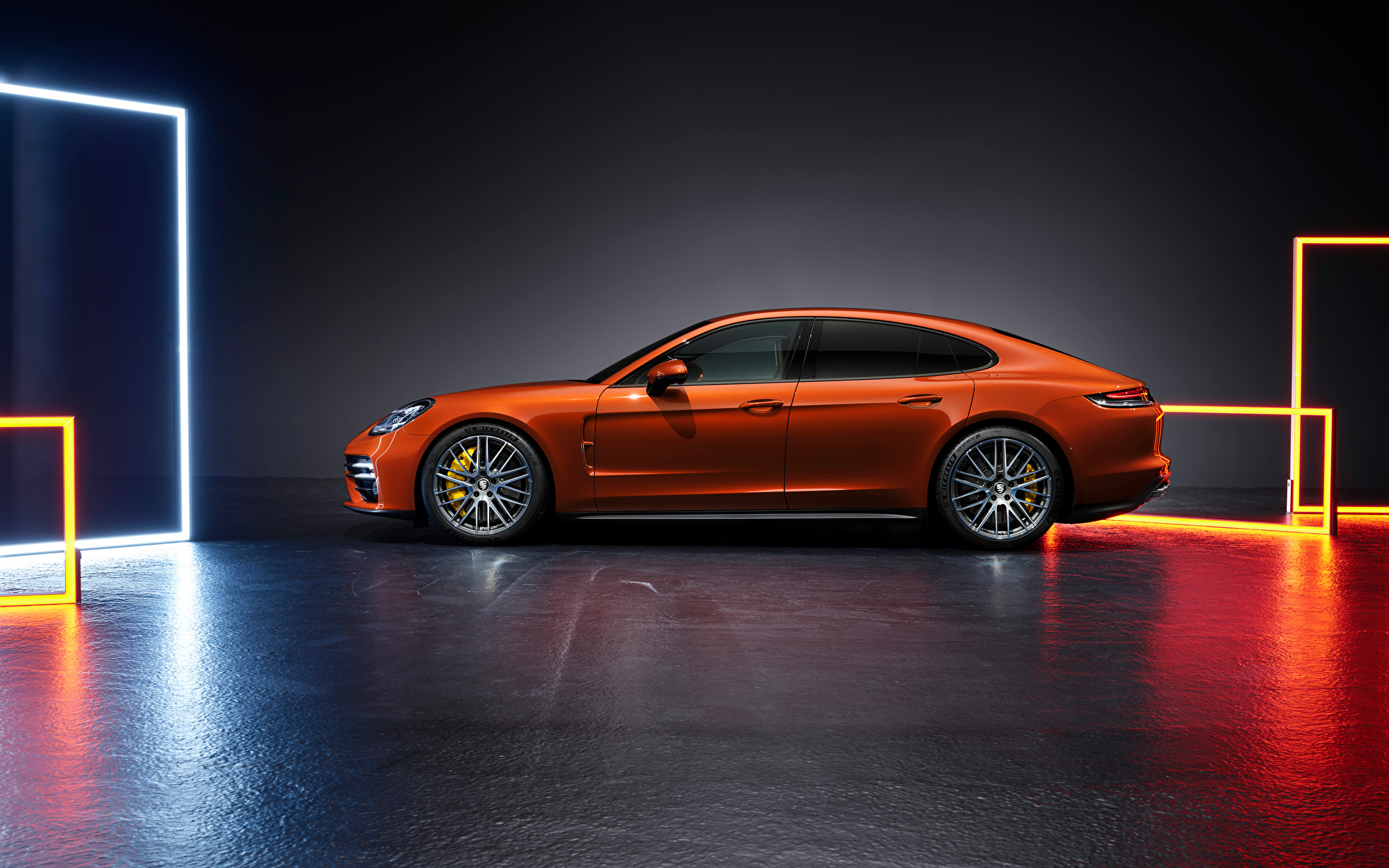 Фото Порше Panamera Turbo S (971), 2020 оранжевая Сбоку Металлик автомобиль 1920x1200 Porsche Оранжевый оранжевые оранжевых авто машины машина Автомобили