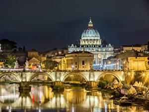 Картинка Италия Рим Здания Речка Мосты Храм Ночные Уличные фонари Города