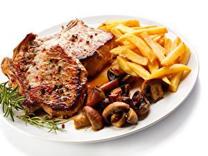 Картинки Вторые блюда Мясные продукты Картофель фри Грибы Белым фоном Тарелка