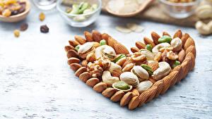 Картинки День всех влюблённых Орехи Дизайн Сердце Еда