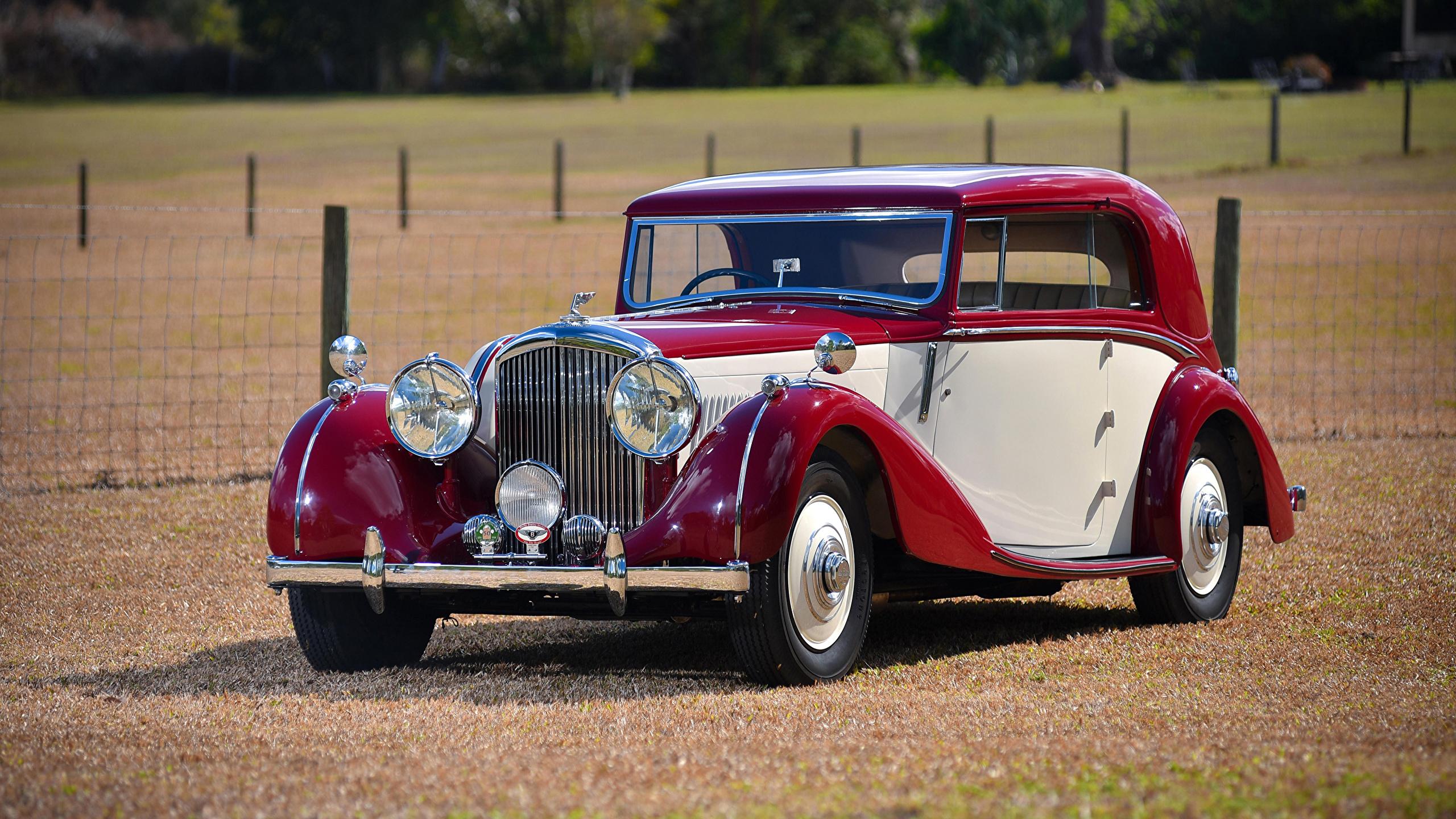 Картинка Бентли 1939 4 ¼ Litre Coupe by Park Ward винтаж Металлик Автомобили 2560x1440 Bentley Ретро старинные авто машины машина автомобиль