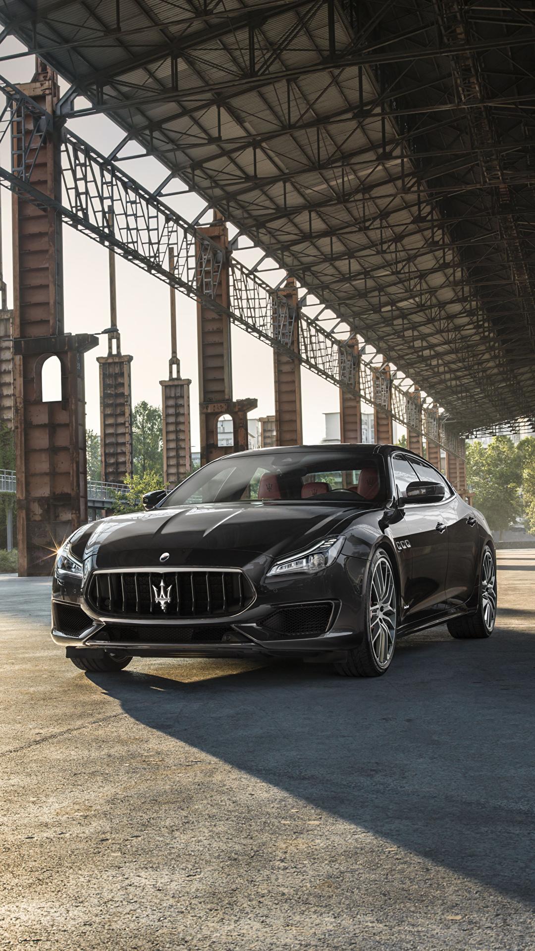 Фотографии Maserati 2017 Quattroporte GTS GranSport серая авто Металлик 1080x1920 Мазерати серые Серый машина машины автомобиль Автомобили