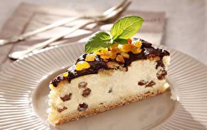 Фотография Сладости Пирожное Пирог Творог Изюм Кусок Мята Пища