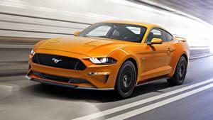 Картинка Форд Желтые Едущая Mustang Fastback 2017 авто