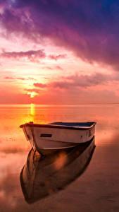 Картинка Пейзаж Реки Рассвет и закат Лодки Небо Горизонт Природа