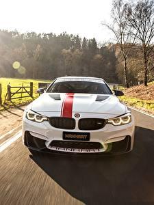 Фотография БМВ Спереди Скорость Белых M4 2018 550 MH4 Manhart Racing автомобиль