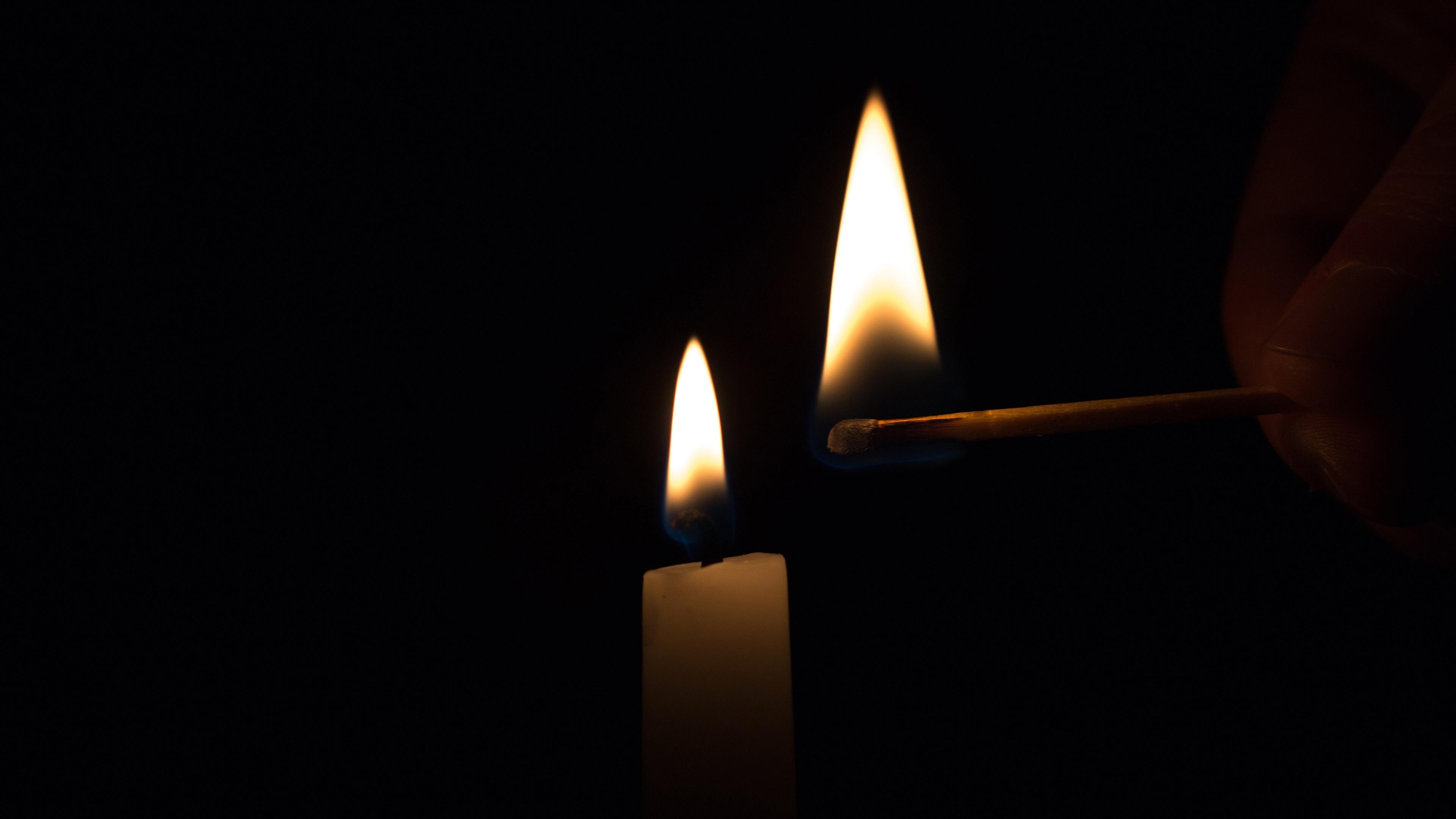 свечи пламя огонь смотреть
