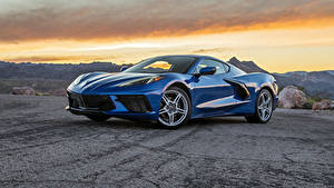 Фотографии Chevrolet Металлик Синие 2020 Corvette Stingray машина