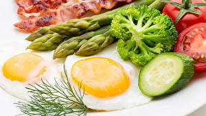 Картинки Мясные продукты Овощи Укроп Яичницы Еда