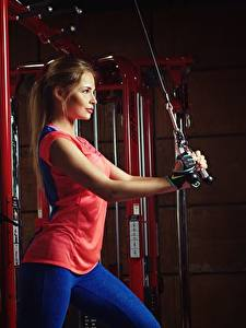 Обои Фитнес Шатенка Nikolas Verano молодые женщины Спорт