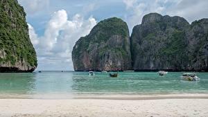 Фото Таиланд Остров Лодки Катера Море Утес Пляжи Заливы Ko Phi Phi Le