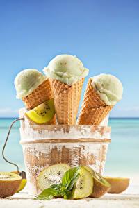 Фотографии Мороженое Киви Трое 3 Продукты питания