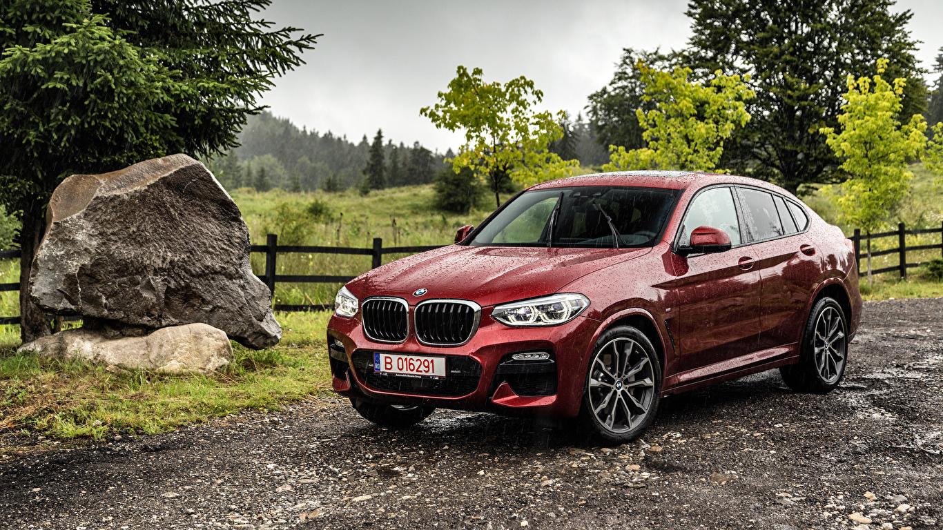 Обои BMW 2018 X4 xDrive25d M Sport Worldwide бордовая Дождь Металлик Автомобили 1366x768 БМВ Бордовый бордовые темно красный Авто Машины