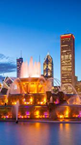 Обои Штаты Небоскребы Фонтаны Вечер Чикаго город Buckingham fountain