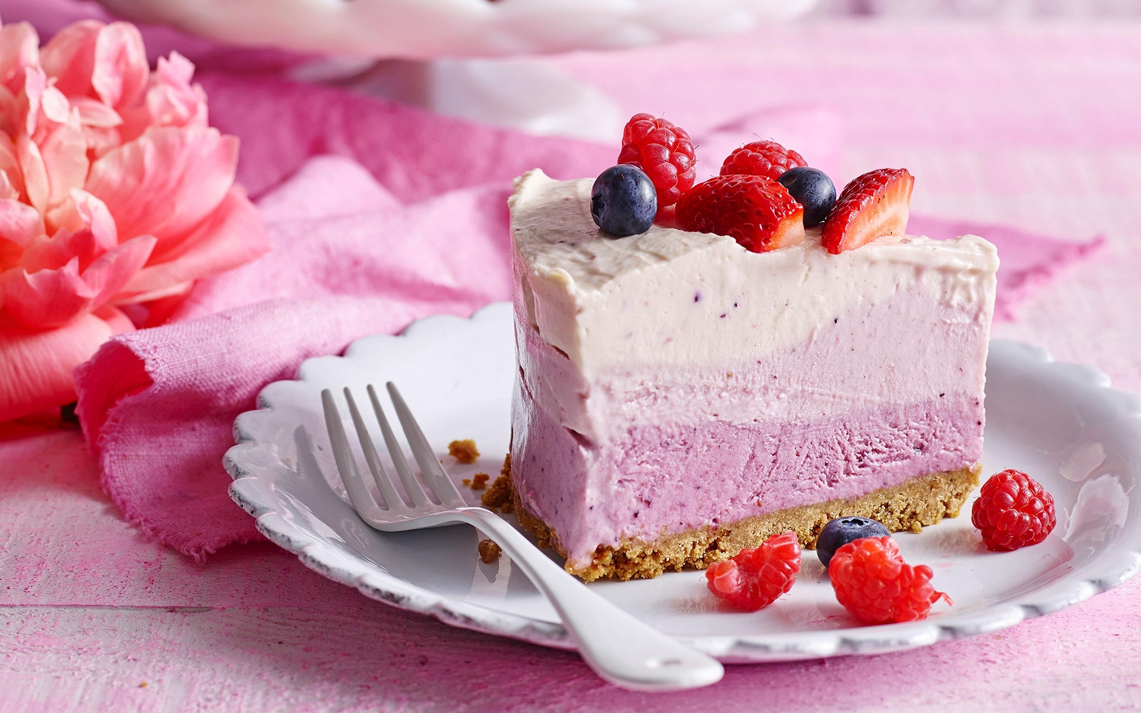 Картинки Торты Кусок Десерт Пища Вилка столовая 3840x2400 часть кусочки кусочек Еда вилки Продукты питания